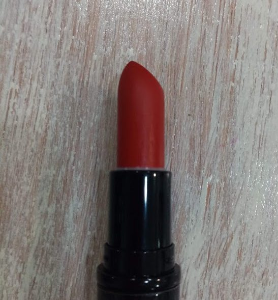 barra-de-labios-fija-vegana-color-rojo-maiva